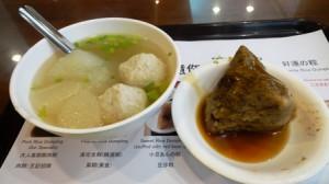 肉粽とスープ