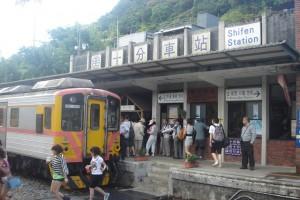 001 300x200 列車が結ぶ日本と台湾の交流~江ノ電と平渓線のふたつを楽しんじゃおう!