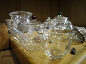 ガラスの茶器